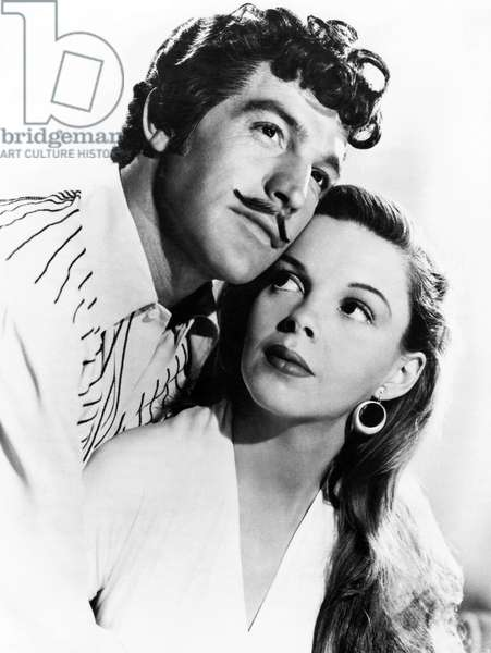 Le pirate: THE PIRATE, from left: Gene Kelly, Judy Garland, 1948