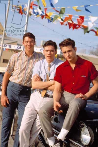 CALENDAR GIRL, Jerry O'Connell, Gabriel Olds, Jason Priestley, 1993. ©Columbia Pictures/Courtesy Everett Collection