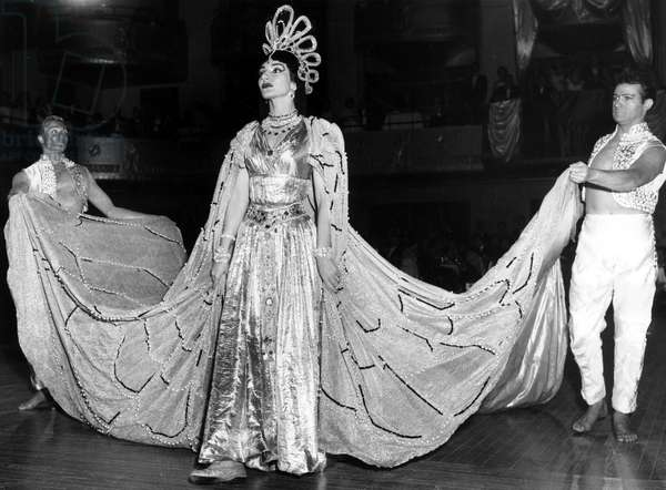 Maria Callas dressed as Hatshepsut, the First Empress of Egypt, attends the Imperial Ball For Hospitalized Veterans Service at the Waldorf-Astoria in New York, 1957