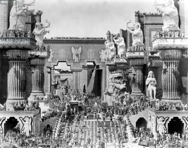 Scene from 'Intolerance', directed by D. W. Griffith, 1916 (b/w photo)