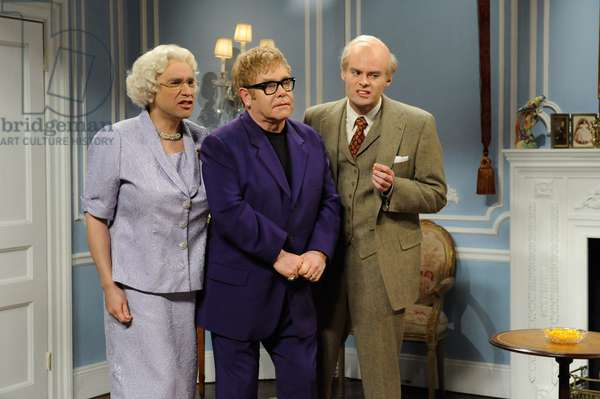 SATURDAY NIGHT LIVE, (from left): Fred Armisen (as Queen Elizabeth), Elton John, Bill Hader (as Prince Philip), 'Royal Engagement', (Season 36, aired April 2, 2011), 1975-. photo: Dana Edelson / © NBC / Courtesy: Everett Collection