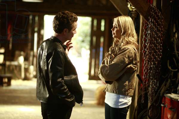 SMALLVILLE, James Marsters, Laura Vandervoort, 'Veritas', (Season 7, aired March 27, 2008), 2001-2011. photo: Michael Courtney / © Warner Brothers Television / Courtesy: Everett Collection
