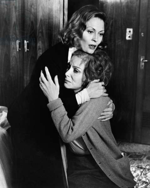 VOYAGE OF THE DAMNED, Faye Dunaway, Lee Grant, 1976