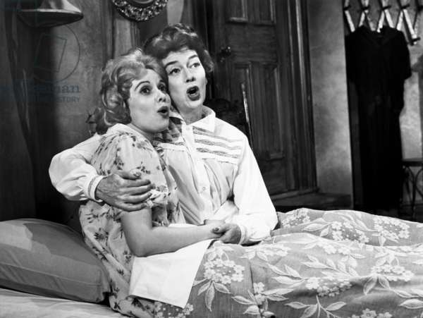 WONDERFUL TOWN, Jacquelyn McKeever, Rosalind Russell, 1958