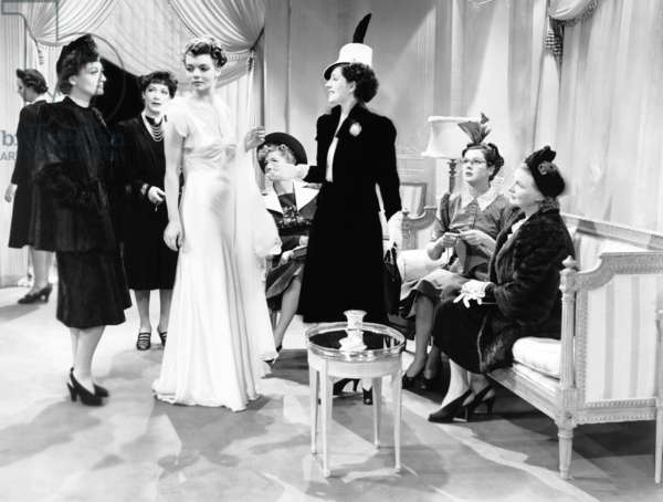 THE WOMEN, from left, Joan Crawford, Frederika Brown, Beatrice Cole, Joan Fontaine, Norma Shearer, Rosalind Russell, Phyllis Povah, 1939