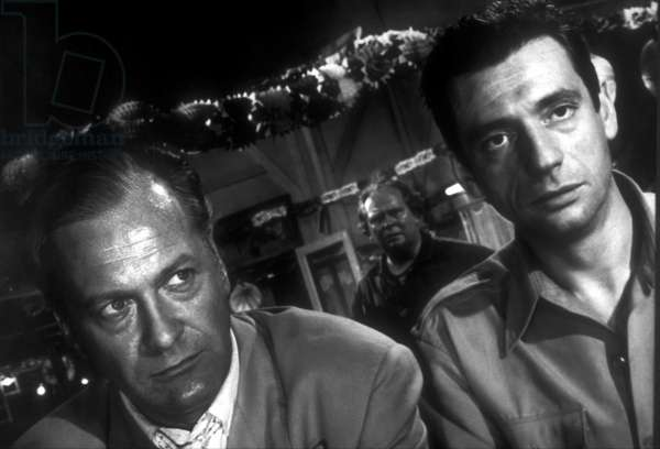 HEROES AND SINNERS, (aka LES HEROS SONT FATIGUES, aka THE HEROES ARE TIRED), Curd Jurgens, Yves Montand, 1955