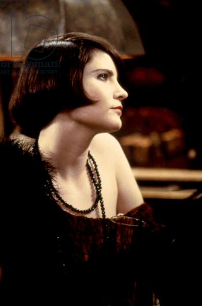 MRS. PARKER AND THE VICIOUS CIRCLE, Jennifer Jason Leigh, 1994. ©TriStar Pictures/courtesy Everett Collection