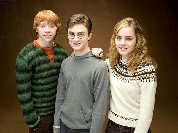 Harry Potter et l'Ordre du Phenix: HARRY POTTER AND THE ORDER OF THE PHOENIX, from left: Rupert Grint, Daniel Radcliffe, Emma Watson, 2007. /©Warner Bros./Courtesy Everett Collection