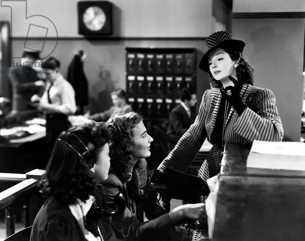 HIS GIRL FRIDAY, Rosalind Russell (right), 1940