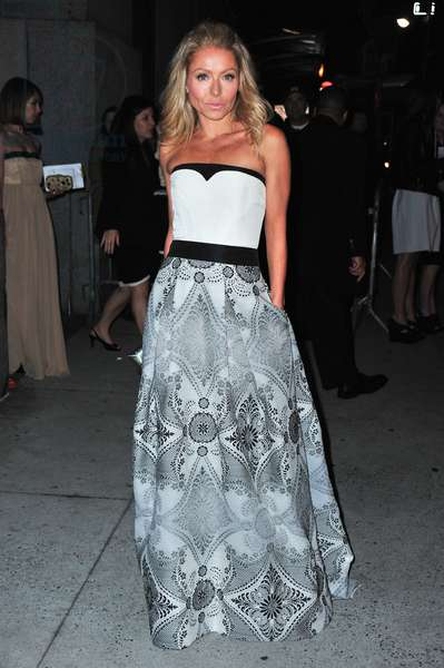 Kelly Ripa at arrivals for FGI Annual Night Of Stars, Cipriani Restaurant Wall Street, New York, NY October 25, 2012. Photo By: Gregorio T. Binuya/Everett Collection