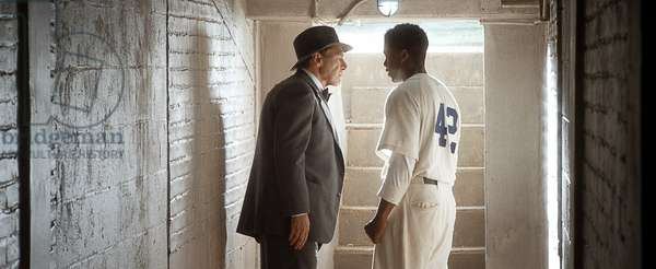 42, (aka FORTY-TWO), from left: Harrison Ford, Chadwick Boseman as Jackie Robinson, 2013. /©Warner Bros. Pictures/courtesy Everett Collection