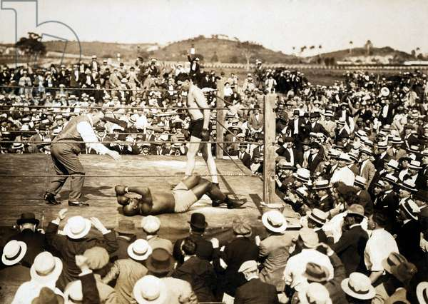UNFORGIVABLE BLACKNESS: THE RISE AND FALL OF JACK JOHNSON, Jack Johnson knocked out in heavyweight championship fight with Jess Willard in 1915, 2004, (c) Florentine Films/courtesy Everett Collection