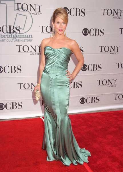 Christina Applegate at arrivals for 2007 American Theatre Wing TONY AWARDS - ARRIVALS, Radio City Music Hall at Rockefeller Center, New York, NY, June 10, 2007. Photo by: Rob Rich/Everett Collection
