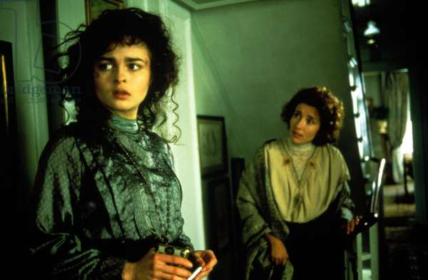 HOWARDS END, Helena Bonham Carter, Emma Thompson, 1992