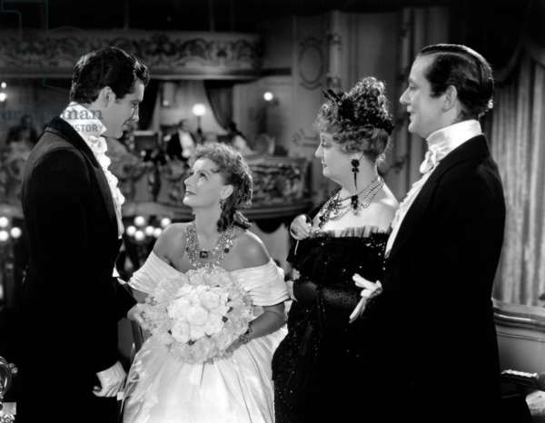 Le roman de Marguerite Gautier: CAMILLE, Robert Taylor (left), Greta Garbo, Laura Hope Crews,