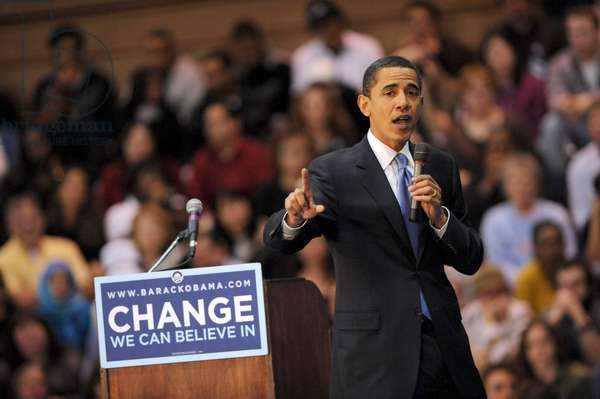 Democratic presidential candidate Sen. Barack Obama (D-IL) on stage for Barack Obama Road to Change Campaign Bus Tour, Wilkes University, Wilkes-Barre, PA, April 01, 2008. Photo by: Brad Barket/Everett Collection