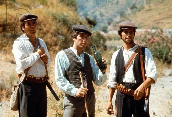 Le Parrain: THE GODFATHER, Al Pacino (center), 1972