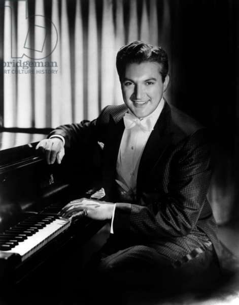 Sincerely Yours: SINCERELY YOURS, Liberace, 1955