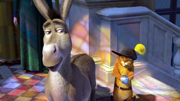 SHREK THE THIRD, (aka SHREK 3), Donkey (voice: Eddie Murphy), Puss in Boots (voice: Antonio Banderas), 2007. ©Paramount/courtesy Everett Collection