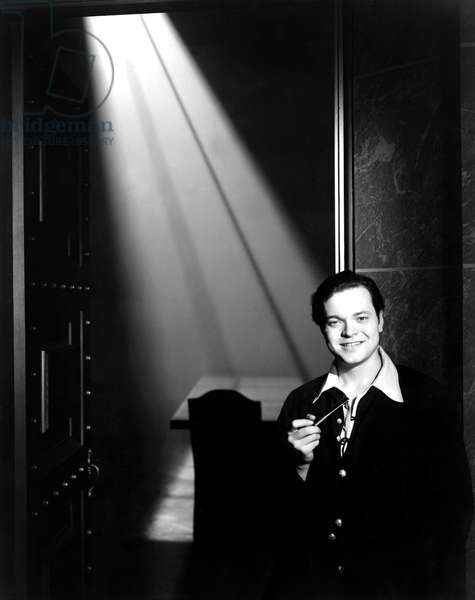 CITIZEN KANE, director Orson Welles, on set, 1941