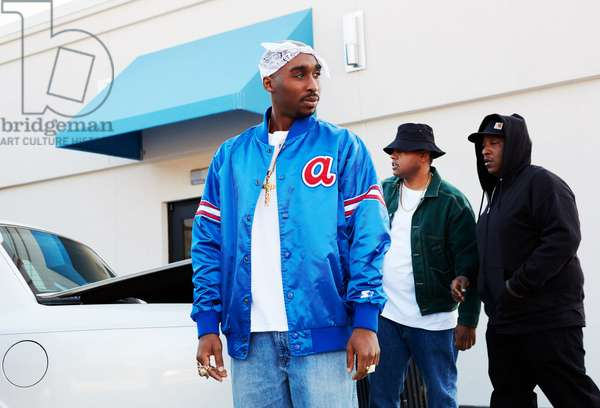 All Eyez on Me de Benny Boom: ALL EYEZ ON ME, center: Demetrius Shipp Jr. as Tupac Shakur, 2017. ph: Quantrell Colbert / © Lionsgate /Courtesy Everett Collection