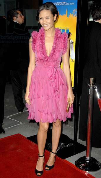 Thandie Newton (wearing a Matthew Williamson dress) at arrivals for RUN FATBOY RUN Los Angeles Premiere, Arclight Cinemas, Los Angeles, CA, March 24, 2008. Photo by: David Longendyke/Everett Collection