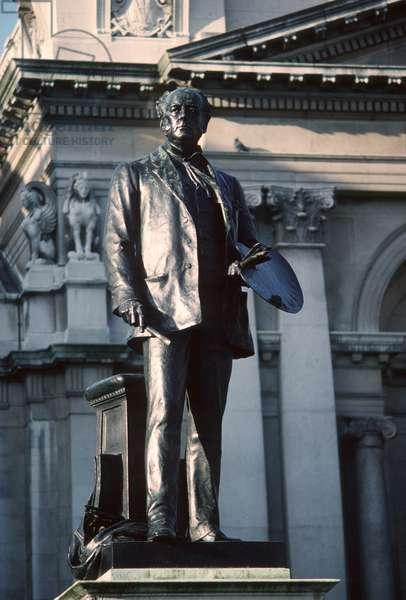 Bronze sculpture of Millais by Sir Thomas Brock (1847-1922) (photo)