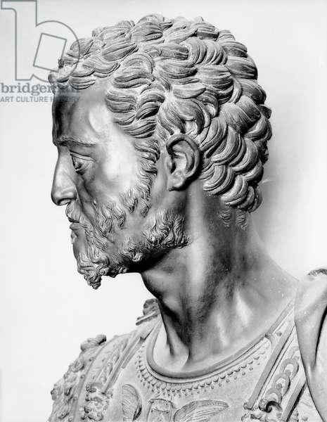 Bust of Grand Duke Cosimo I de 'Medici, detail (bronze)
