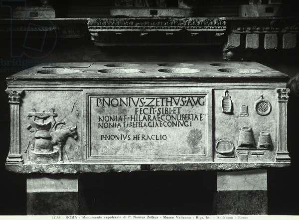 Sarcophagus of Nonius Zethus (marble)