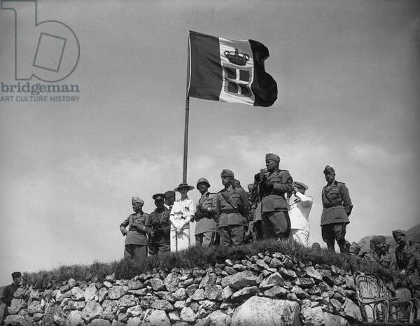 Supervising the last stages of military manoeuvres from the observation post in Volturara, Irpinia, 31st August 1936 (b/w photo)
