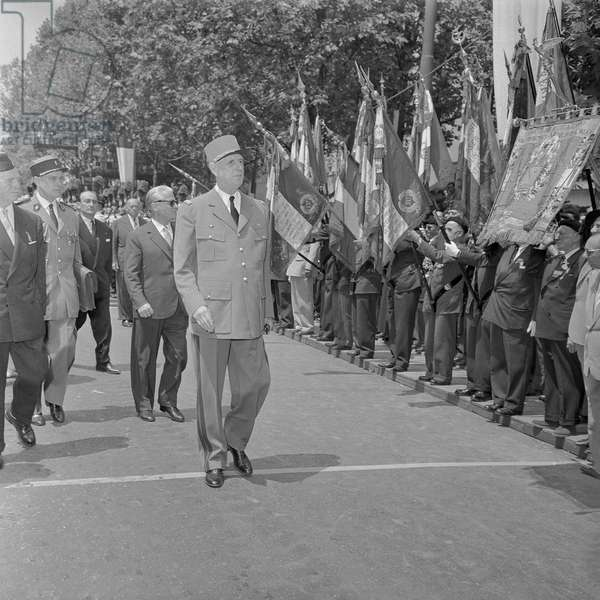 President Charles de Gaulle and President Giovanni Gronchi during the military parade to mark the centenary of the Battle of Magenta, June 1959 (b/w photo)