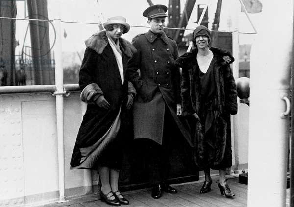 The future Queen of Italy Maria-Jose, with her mother Queen Elizabeth of Belgium, and her brother Prince Leopold departing for the Belgian Congo, 1926 (b/w photo)