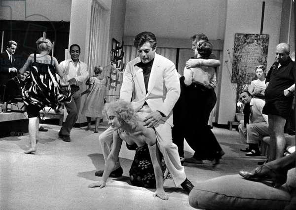 Scene from 'La Dolce Vita', 1960 (b/w photo)