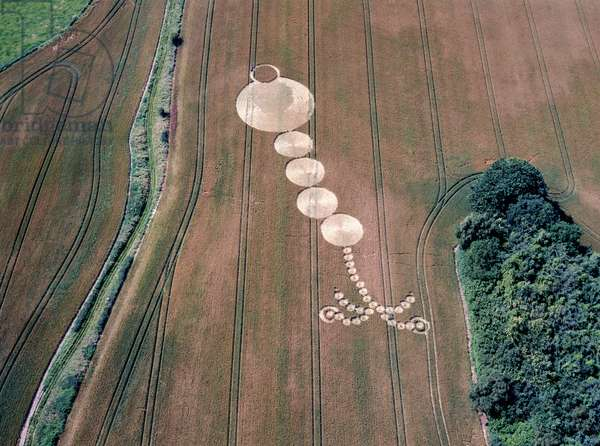 Crop circle in wheat field, West Woods, Lockeridge, Marlborough, Wiltshire, 10th July 1998 (aerial photograph)