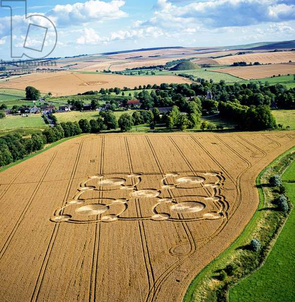 Crop circle in wheat field, Avebury Manor, Wiltshire, 27th July 2005 (aerial photograph)