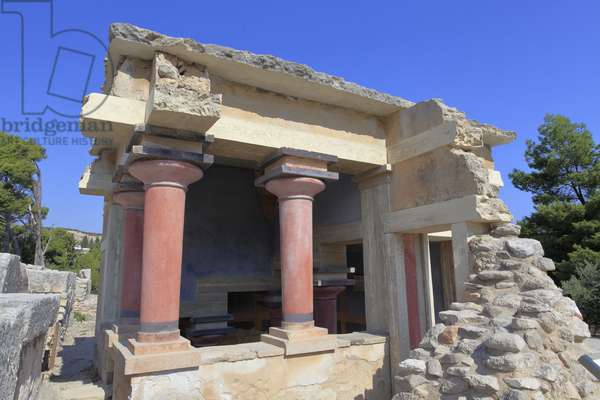 """Minoen archeological site of Knossos. North lustral basins. North entrance of the palace. According to A. Evans this building was used in purification ceremonies and therefore called this place """""""" Lustral basins"""""""". Knossos, Crete."""