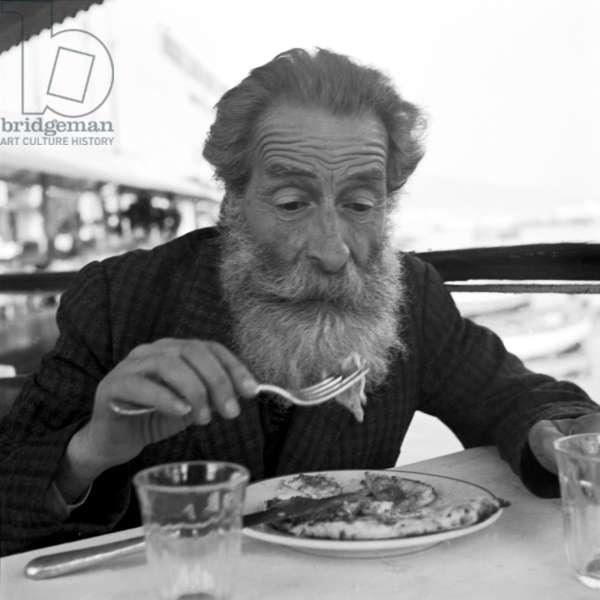 Naples, 1952. Zi Teresa Restaurant, Pizza Eater