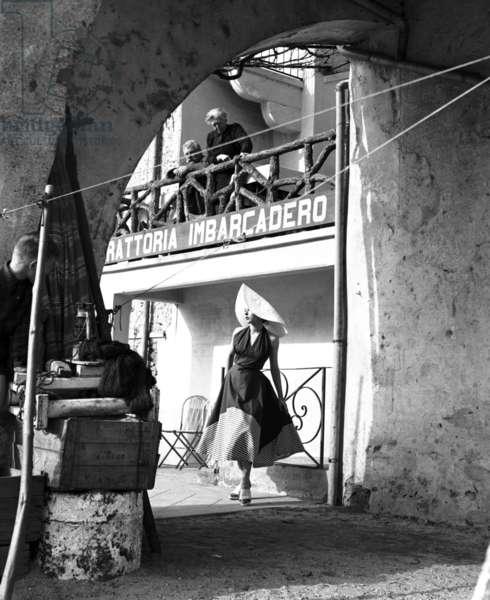 Fashion, Isola dei Pescatori, Lake Maggiore, Italy, 1954 (b/w photo)