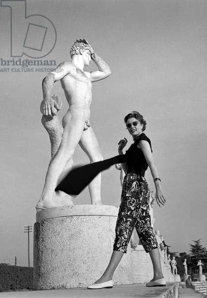 Fashion: Gattinoni Spring/Summer collection, Stadio dei Marmi, Foro Italico, Rome, Italy, 1952 (b/w photo)