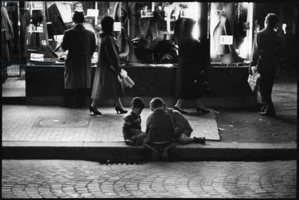 Napoli, Italia, 1959, Via Roma (b/w photo)