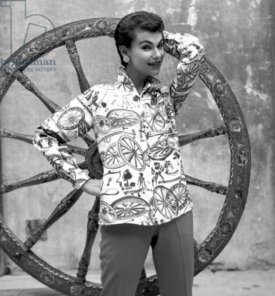 Fashion: Emilio Pucci shirt, worn by Harriette Jones, Florence, Italy, 1955 (b/w photo)