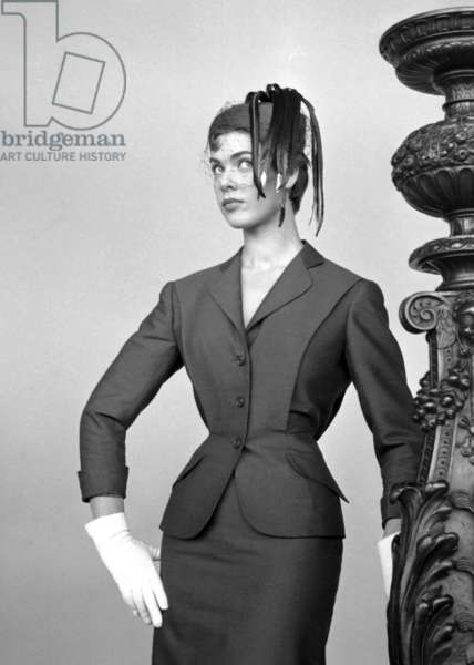 Fashion: Giudi Summer collection, worn by Lilli Cerasoli, Italy, 1954 (b/w photo)