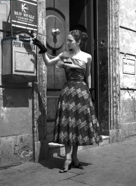 Fashion: Sorelle Fontana Spring/Summer collection, Rome, Italy, 1952 (b/w photo)