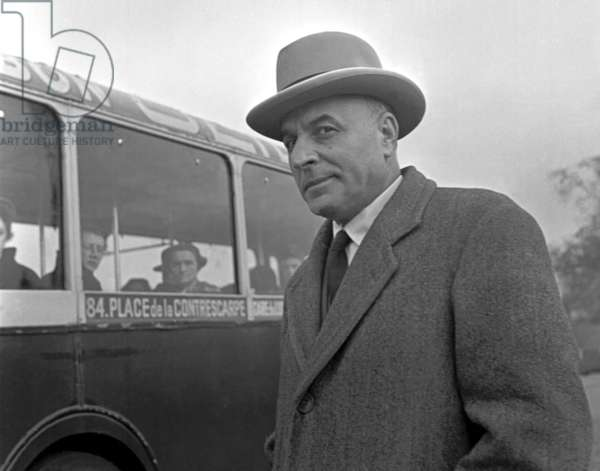 """Paris, November 1952. The journalist Alfio Russo, correspondent of the """"Corriere della sera"""""""