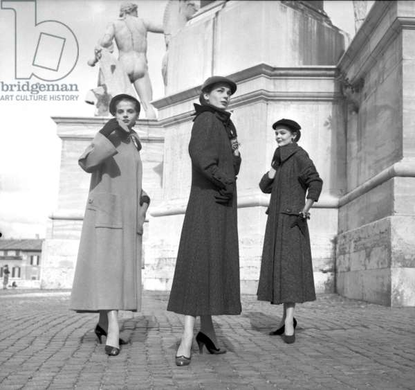 Fashion: Sorelle Fontana, Rome, Italy, 1952 (b/w photo)