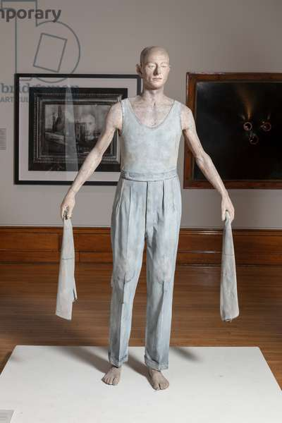 Man with Two Cloths, 1974-75 (polyvester resin, fibre glass)