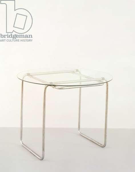 Table B 18, 1928 (bent steel tube frame, chromed)