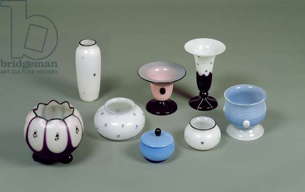 Pots and vases (glass)
