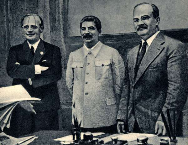 Second World War: Joachim Von Ribbentrop (1893-1946), Foreign Minister of the Third Reich, Joseph Stalin (1878-1943) and Vyacheslav Molotov (1890-1946) when signing the Molotov-Ribbentrop Pact of Non-Aggression, also known as the German-Soviet Pact between Soviet Union and Germany. Moscow, 23/08/1939.