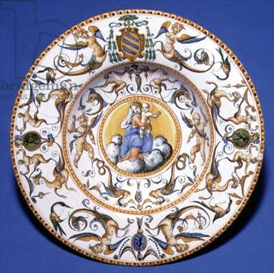 Maiolica dish depicting the Virgin and Child, Urbino, c.1580-1600 (tin glazed earthenware)